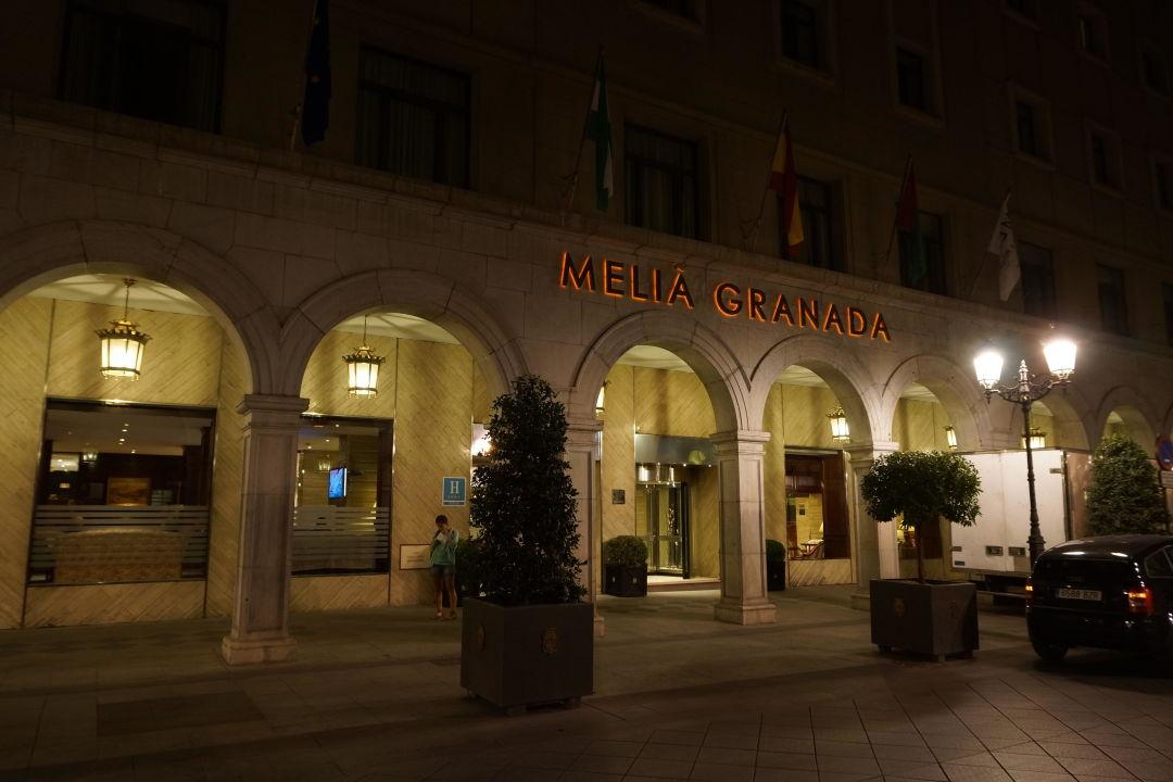 Entrée de l'hôtel Hotel Melia Granada