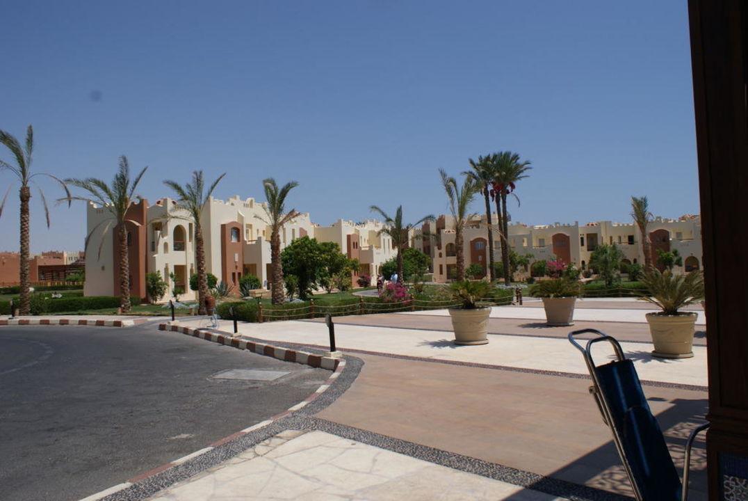 Blick vom Haupthaus SUNRISE Select Royal Makadi Resort