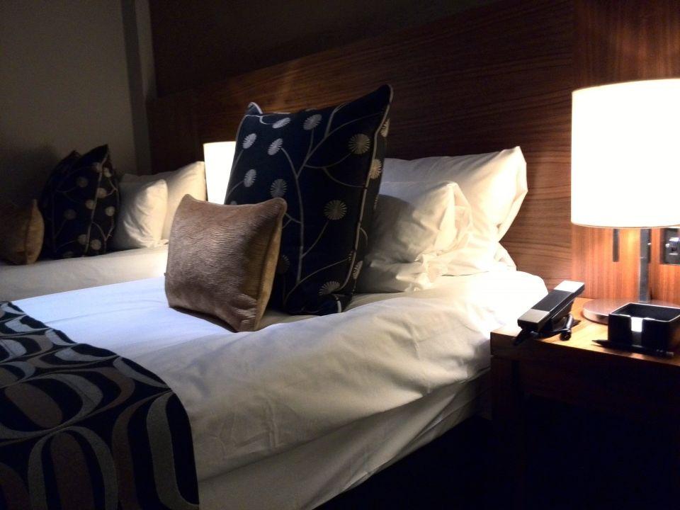 wertige und geschmackvolle bettw sche und bez ge apex city of london hotel london. Black Bedroom Furniture Sets. Home Design Ideas