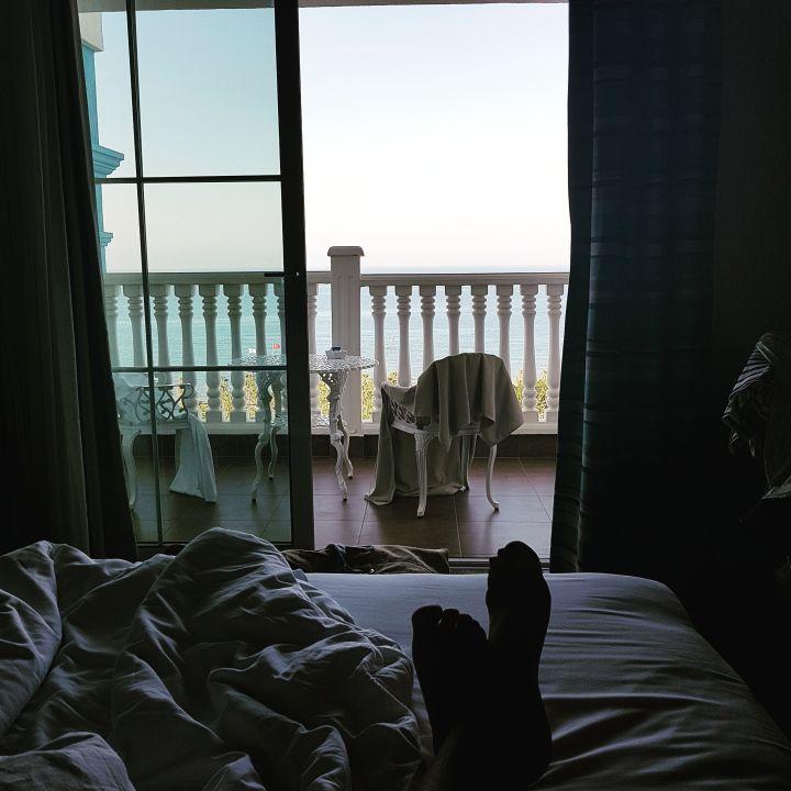 blick vom bett aufs meer rubi platinum spa resort suites avsallar holidaycheck. Black Bedroom Furniture Sets. Home Design Ideas