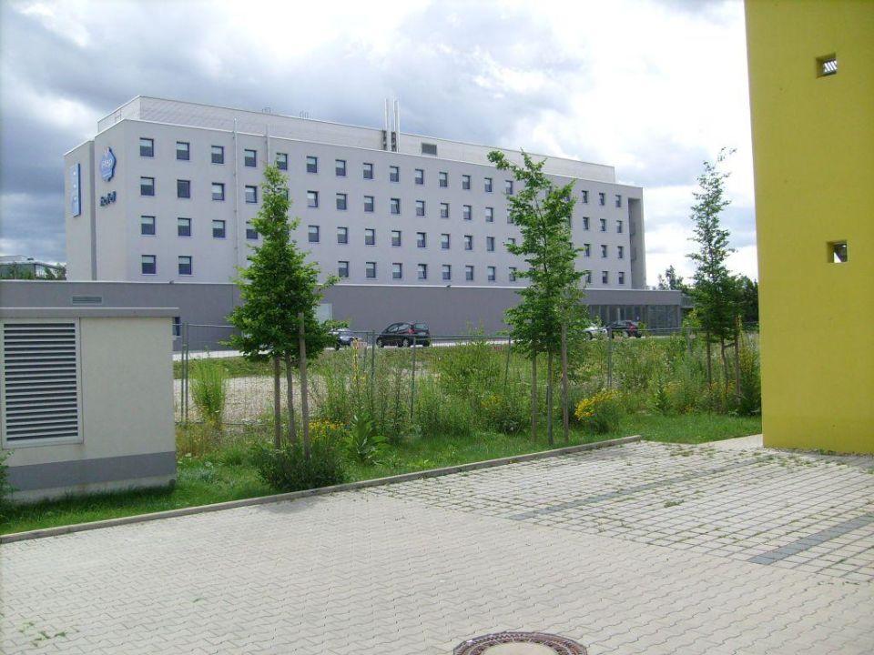 Das Etap-Hotel von hinten ibis budget Hotel München Messe Hotel
