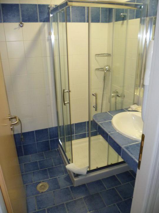 Schöne Dusche und Bad Naftilos Boutique Hotel