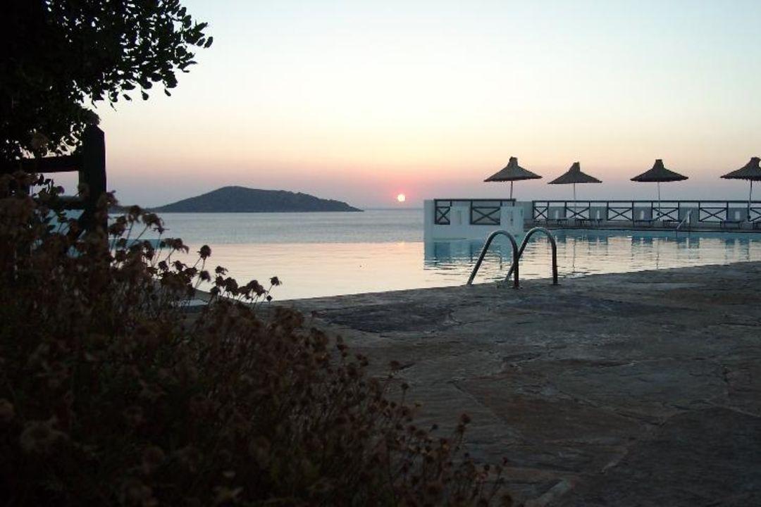 Sonnenaufgang in Elounda TUI SENSIMAR Elounda Village Resort & SPA by AQUILA - Adults only