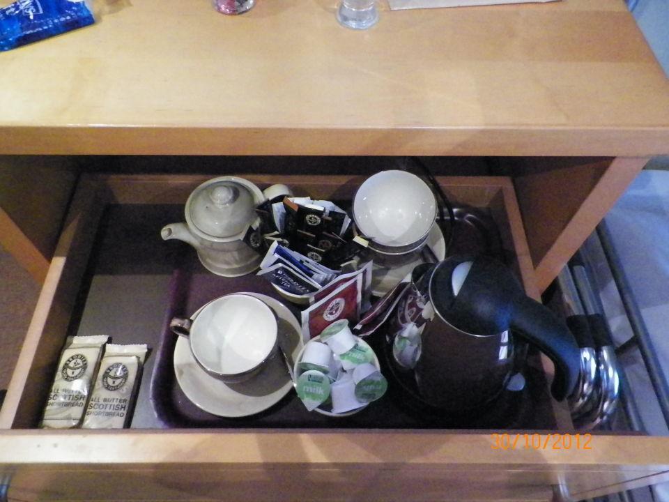 Kostenlose Getränke versteckt im Schrank\