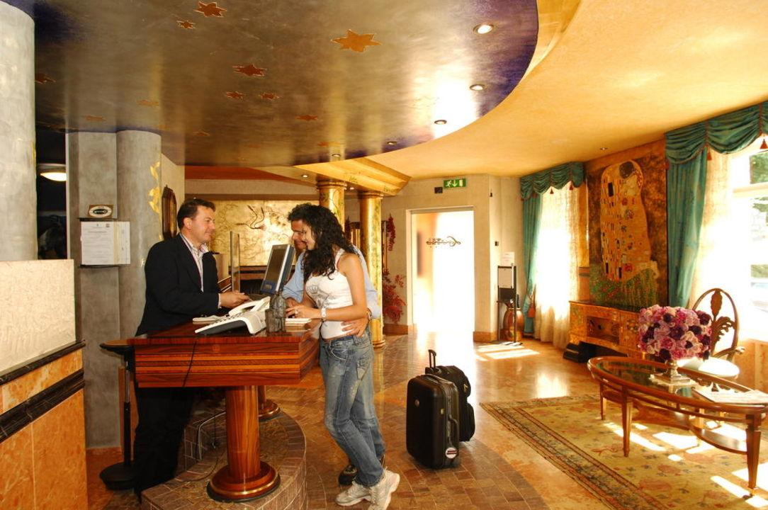 Hotel Luis Trentino Reception Hotel Luis