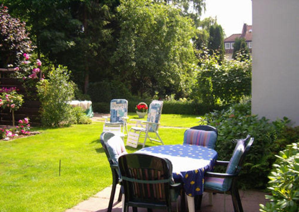 Blick in den Garten Villa Cecilie  (Hotelbetrieb eingestellt)