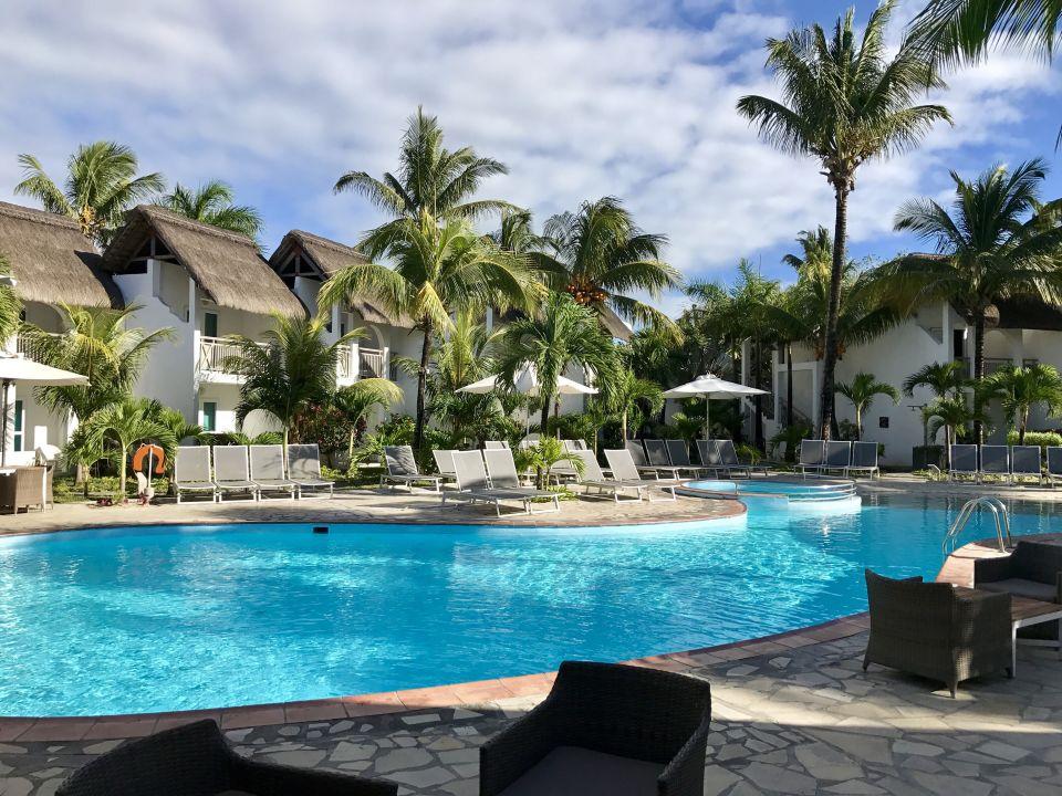 """Pool"" Veranda Palmar Beach Hotel (Belle Mare) • HolidayCheck (Mauritius Ostküste | Mauritius)"