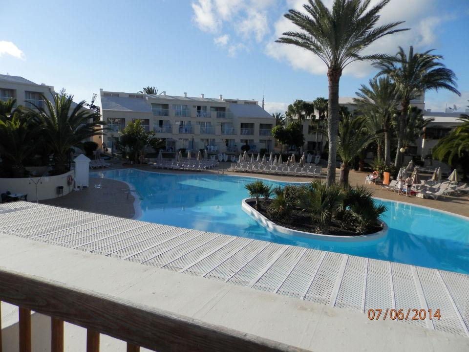 Bick von der terrasse zum pool hotel riu oliva beach for Riu oliva beach village