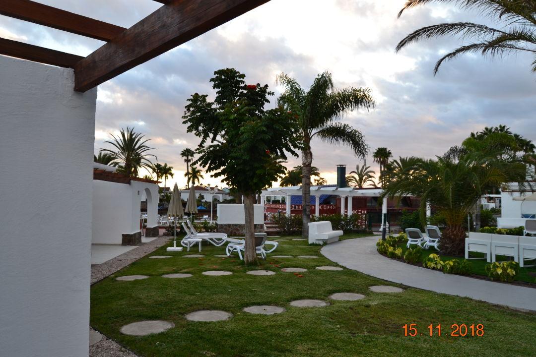 Gartenanlage Hotel Dunagolf Suites