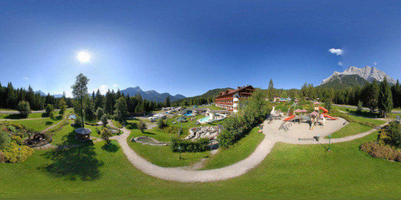 Bild Quot Hotel Zu Weihnachten Quot Zu Aktiv Amp Familienresort Tiroler Zugspitze In Ehrwald