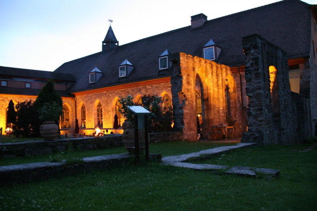 Abendstimmung im Klostergarten\