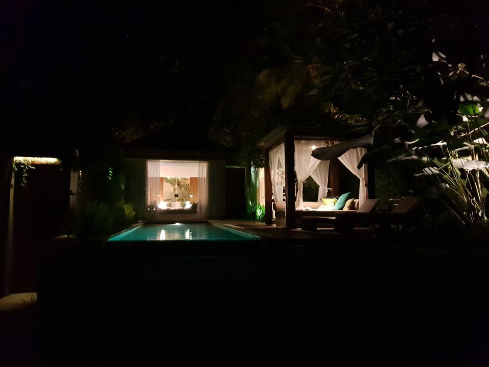 Zimmer Candi Beach  Villas