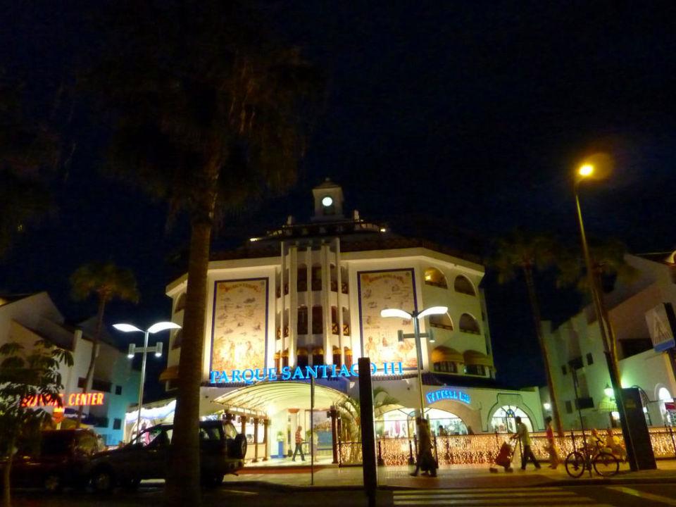 Bei nacht apartamentos parque santiago 3 playa de las americas holidaycheck teneriffa - Apartamentos parque santiago ...