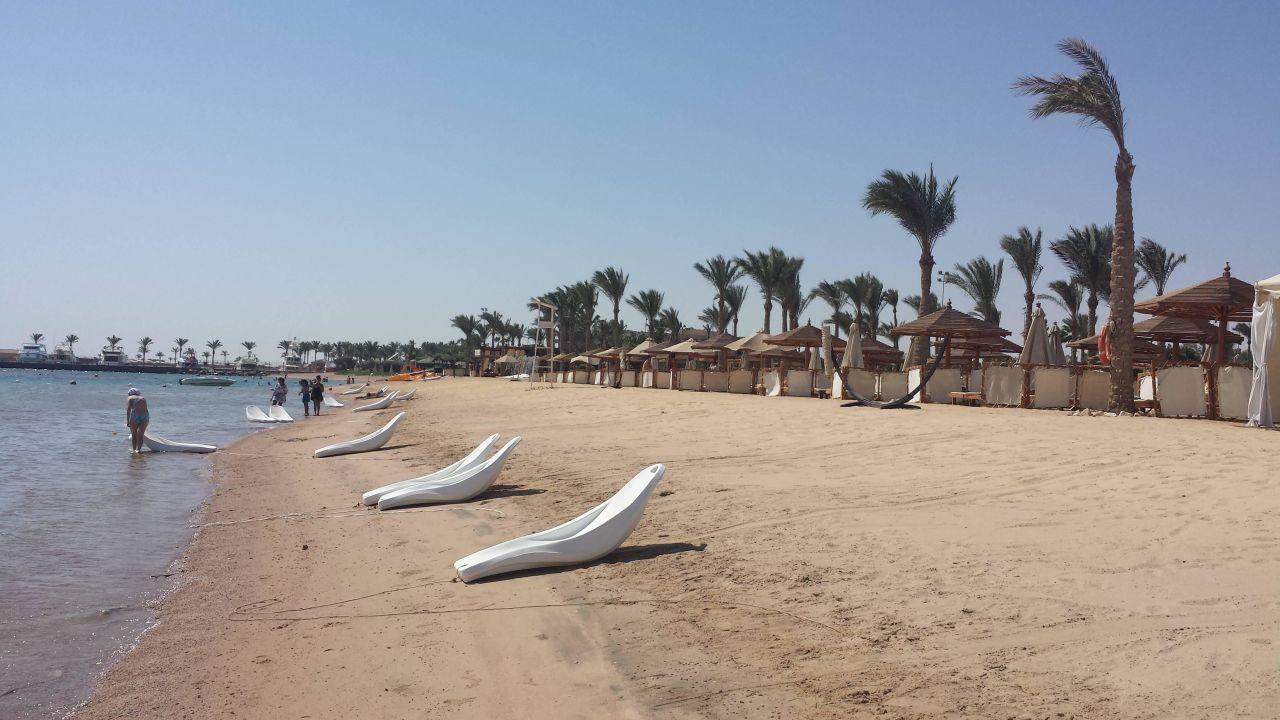 Al Dau Beach Hotel