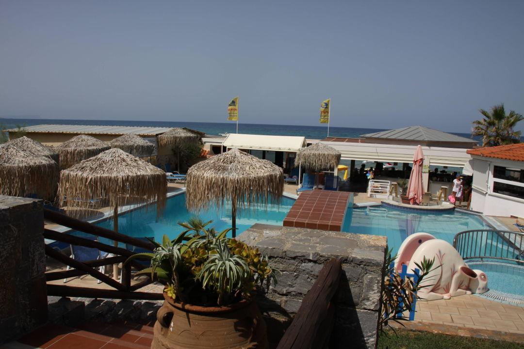 Pool Mit Strandbar Und Zugang Zum Strand Hotel Aeolos Beach Malia