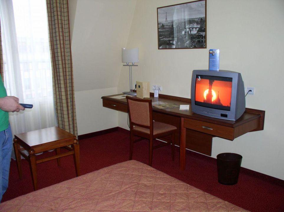 Wohn-Schlafbereich Hotel L'Elysée Val d'Europe