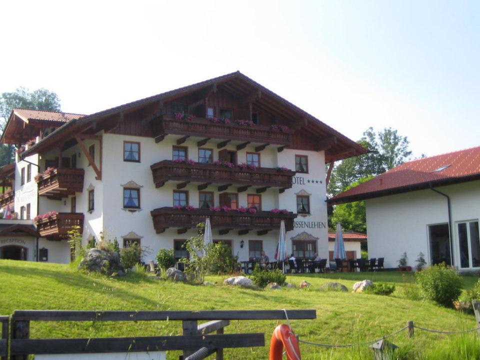 Hauptgebäude mit Rezeption und Restaurant Naturhotel Reissenlehen