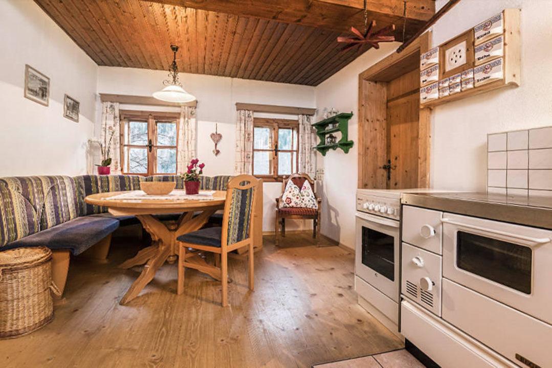 bauernhaus k che bauernd rfl rindereben h ttschlag holidaycheck salzburger land sterreich. Black Bedroom Furniture Sets. Home Design Ideas