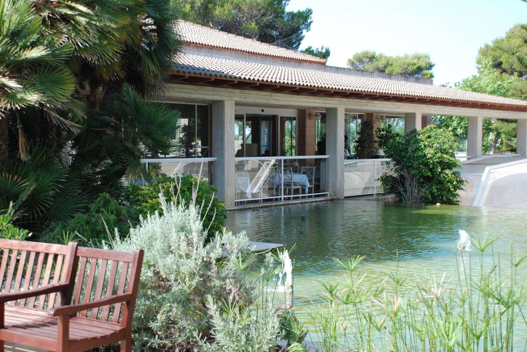 kleine sehr sch ne terrasse beim hauptrestaurant playa garden selection hotel spa platja. Black Bedroom Furniture Sets. Home Design Ideas
