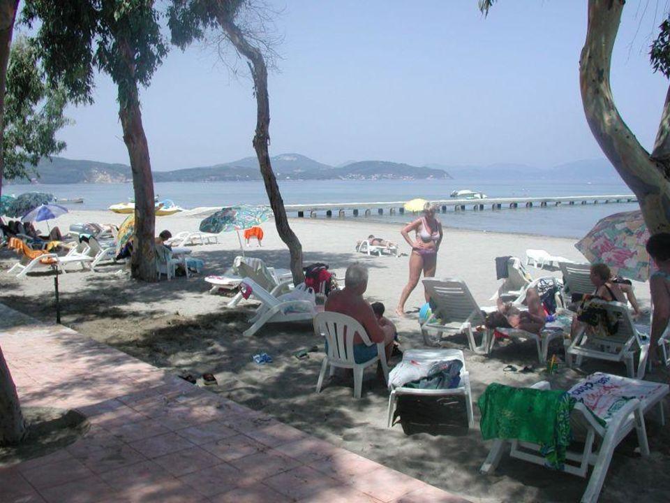 Attika Beach Hotel - Strand Attika Beach Hotel