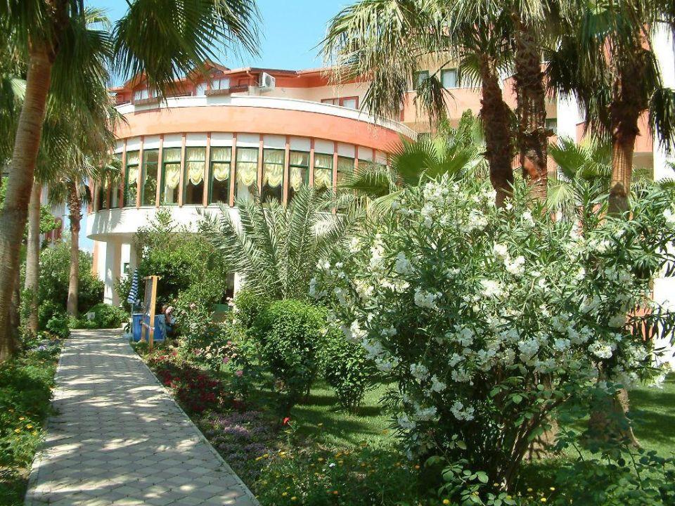 Haupthaus Nergos Garden Hotel