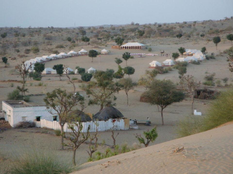 Blick über die gesamte Anlage Manvar Desert Resort & Camp