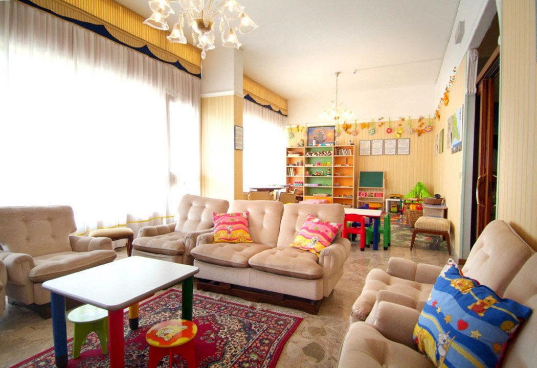 Sala Giochi Bimbi : Liguria residence con sala giochi per bimbi per giocare in un