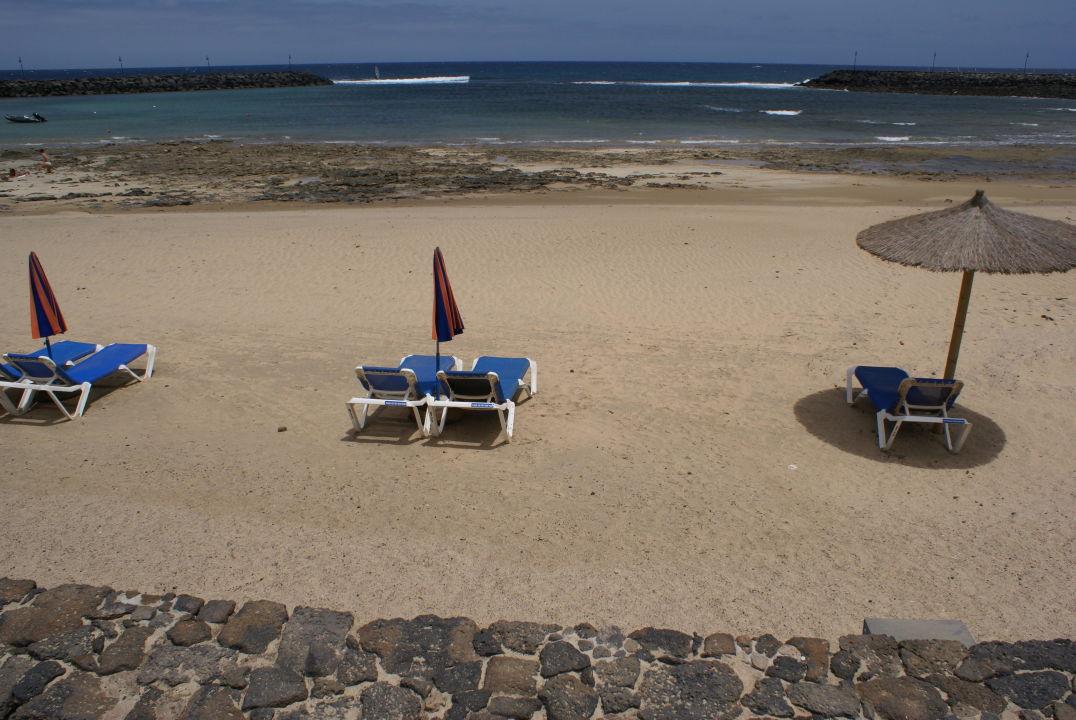 bild wandverkleidung mit lichteffekten zu hd beach resort in costa teguise. Black Bedroom Furniture Sets. Home Design Ideas