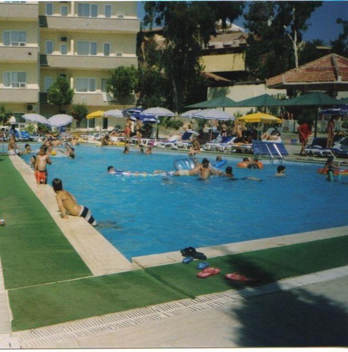 Der Pool im Hotel Verano Hotel Club Verano