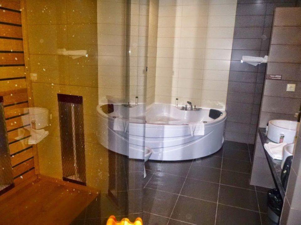Badezimmer Mit Sauna Und Whirlpool Gogol Hotel Tomsk