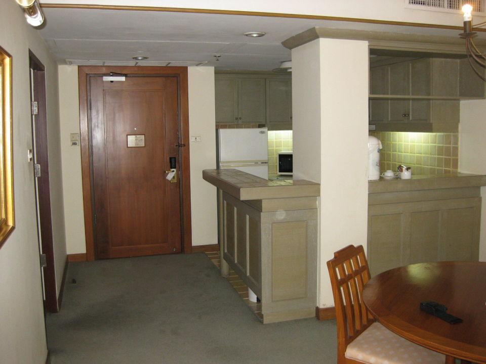 eingang k che esstheke pantip suites sathorn bangkok holidaycheck gro raum bangkok. Black Bedroom Furniture Sets. Home Design Ideas