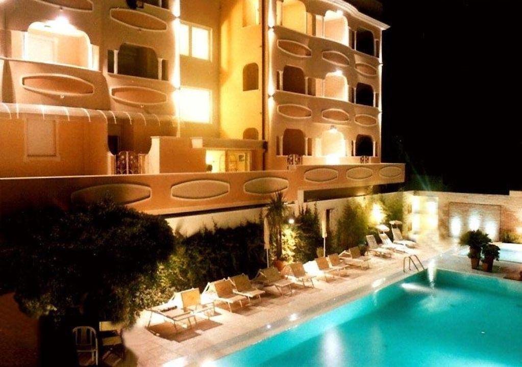 Foto esterno Hotel Derby Exclusive
