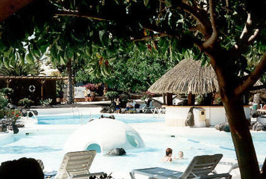 Pool vom Lanzarote Gardens Hotel H10 Suites Lanzarote Gardens