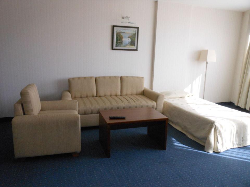 bett und sitzgelegenheit park hotel varna holidaycheck bulgarien norden bulgarien. Black Bedroom Furniture Sets. Home Design Ideas