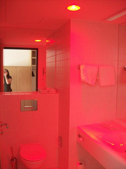 Das Bad Im Romantischen Rotlicht Arcotel Rubin Hamburg