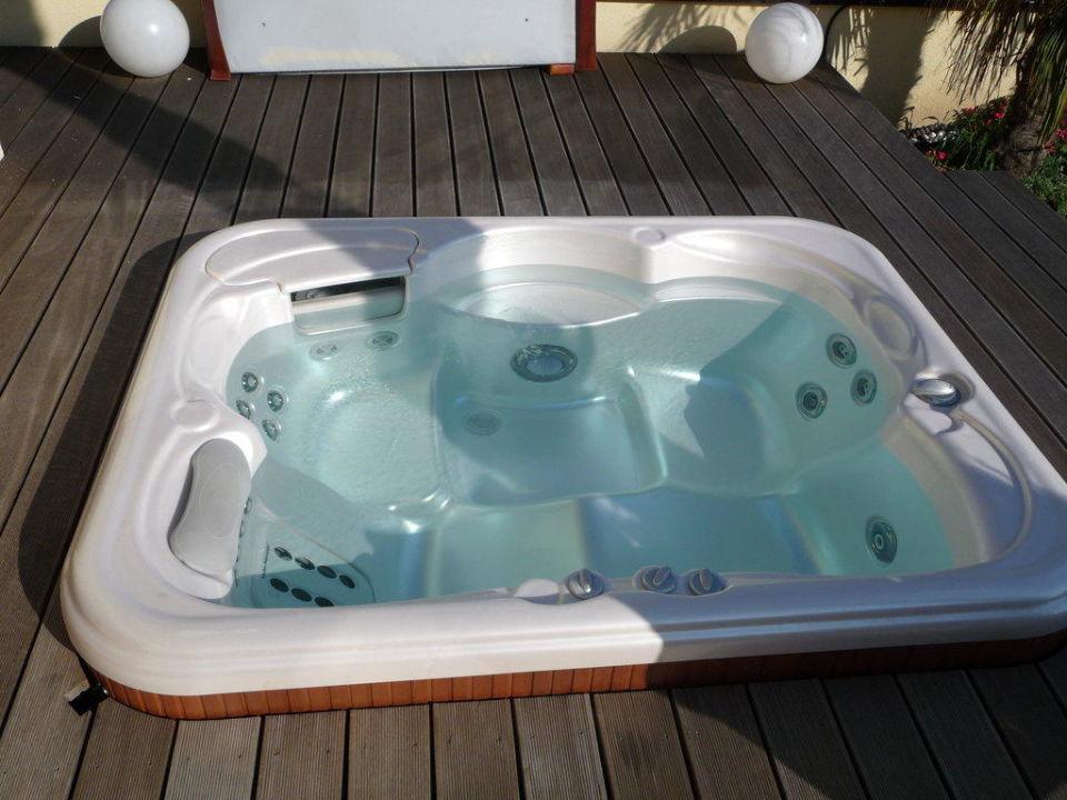 Whirlpool auf der dachterrasse der suite luxury dolcevita resort preidlhof naturno naturns - Whirlpool dachterrasse ...