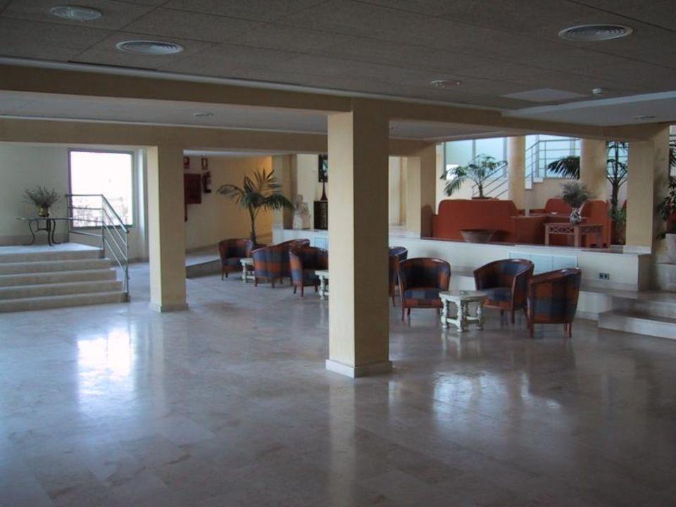 Hotel na Forana,  Eingangshalle 01 Hotel Na Forana