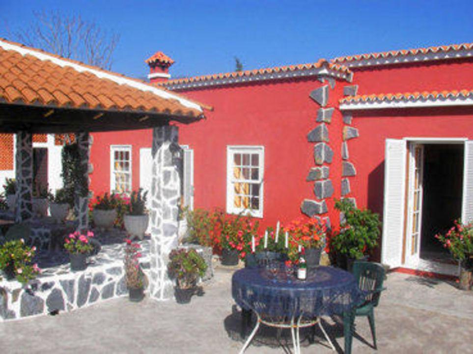 Haus mit Terrasse Ferienhaus Casa Blanca