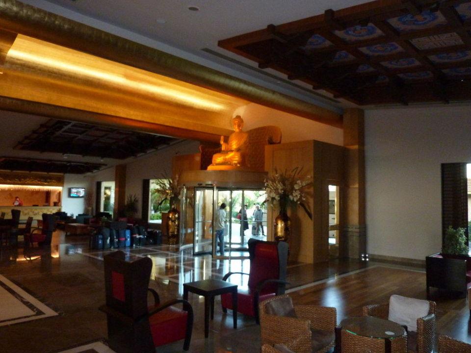 Lobby Hotel Royal Dragon