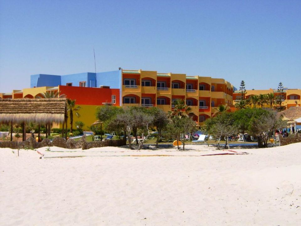 Hotelanlage vom Strand Caribbean World Thalasso Djerba