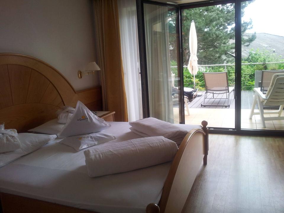 Unser Zimmer mit Gartenterrasse Hotel Sonnenburg