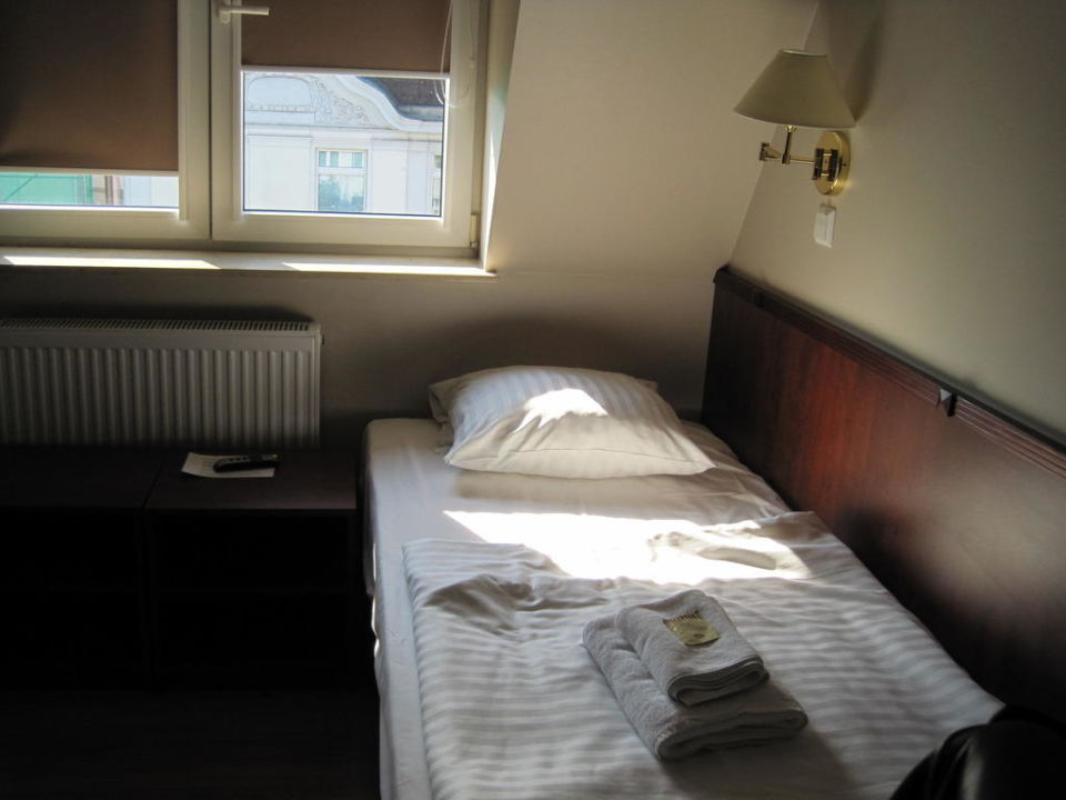 Renoviertes Doppelzimmer Hotel Hamburg Altona
