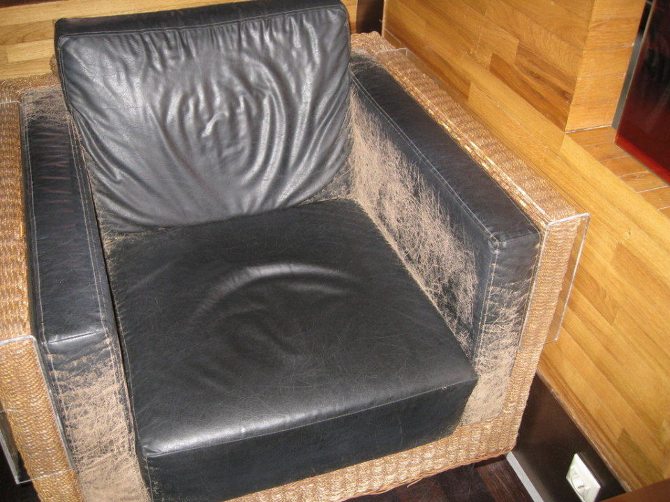 Abgewetzte Sessel in der Lobby! Hotel Limak Lara de Luxe