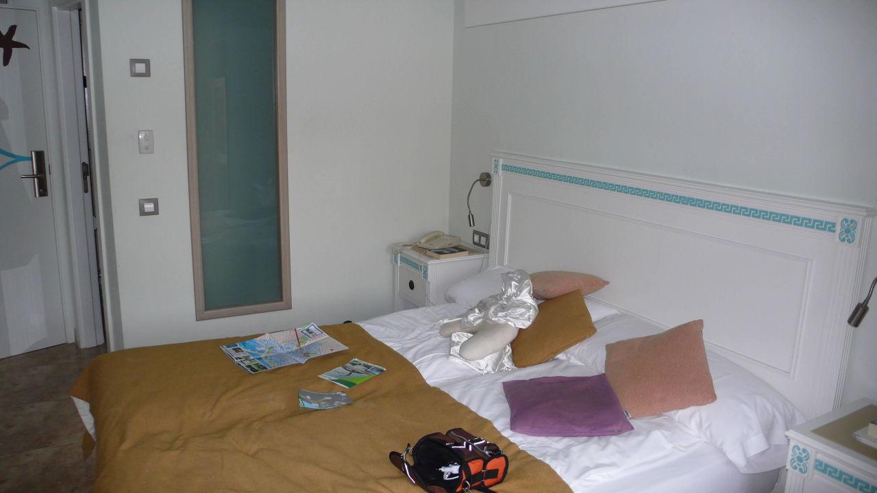 bild sch ner gro er tv zu hotel bahia del sol in santa. Black Bedroom Furniture Sets. Home Design Ideas