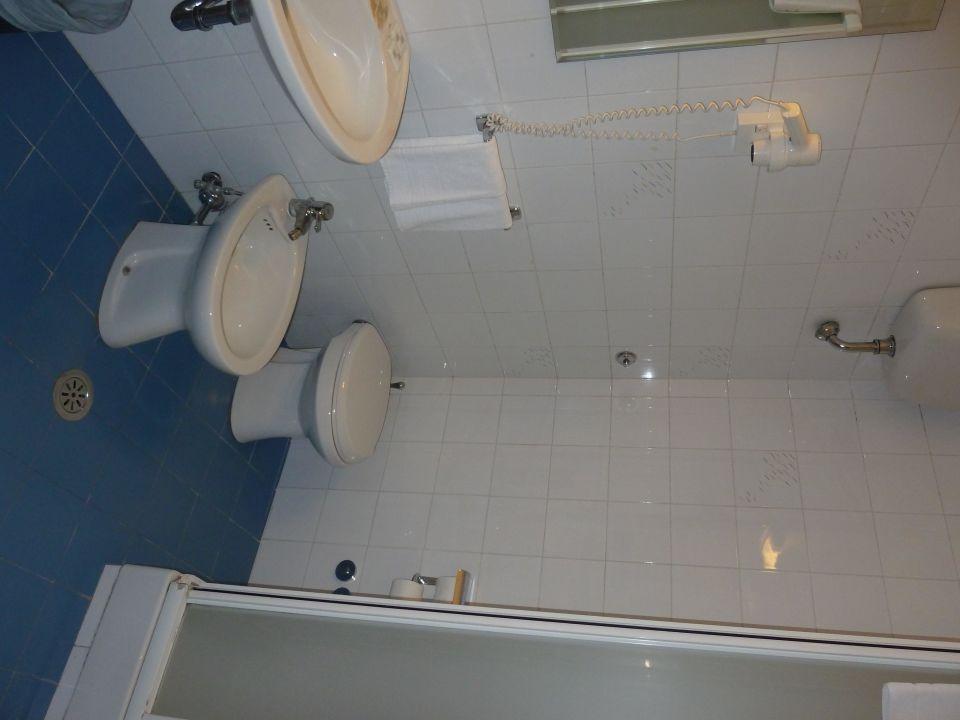 Bad v. Zimmer 224 Hotel Taormina