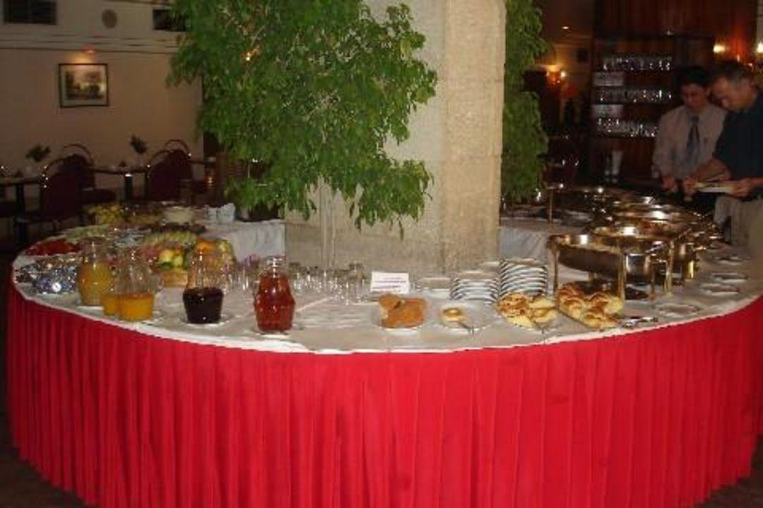 Hotel Homa Frühstücksbuffet Hotel Homa