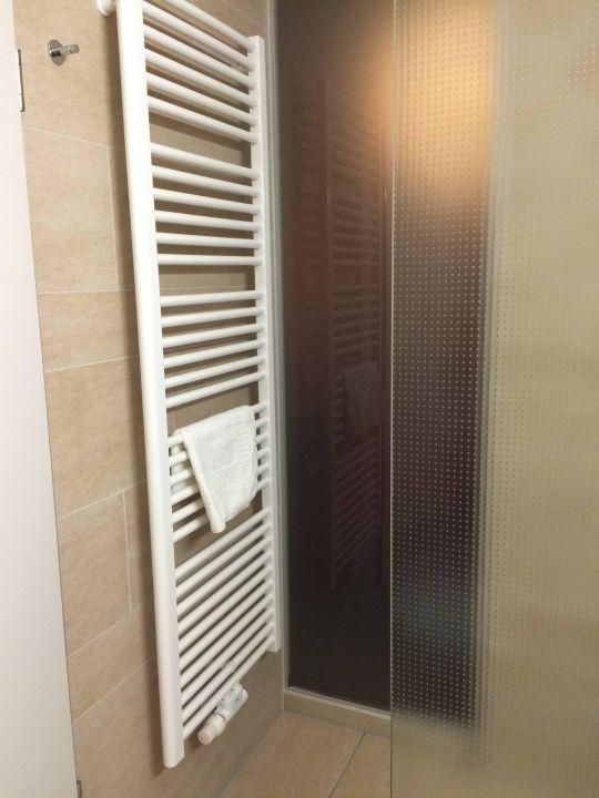 handtuchhalter neben dusche hotel linner - Handtuchhalter Dusche Glas