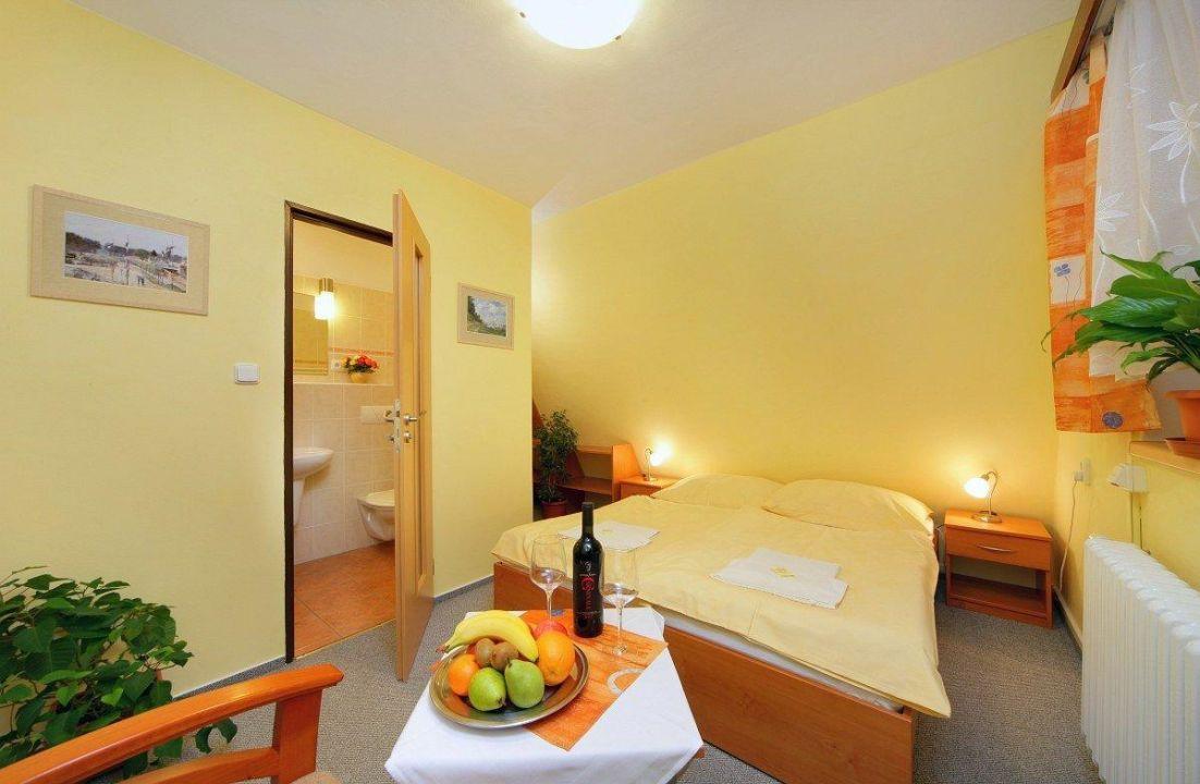Rekonstruovaný dvoulůžkový pokoj Hotel Starý Mlýn