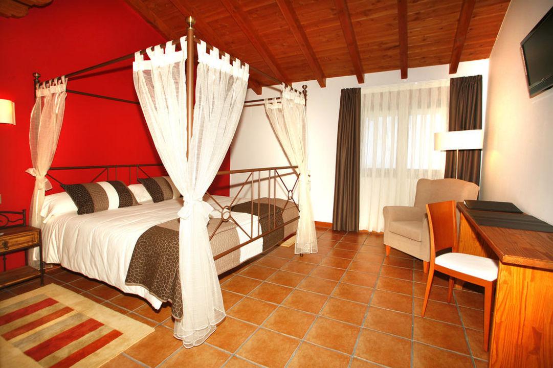 Habitación matrimonio Hotel-Apartamento Rural Atxurra