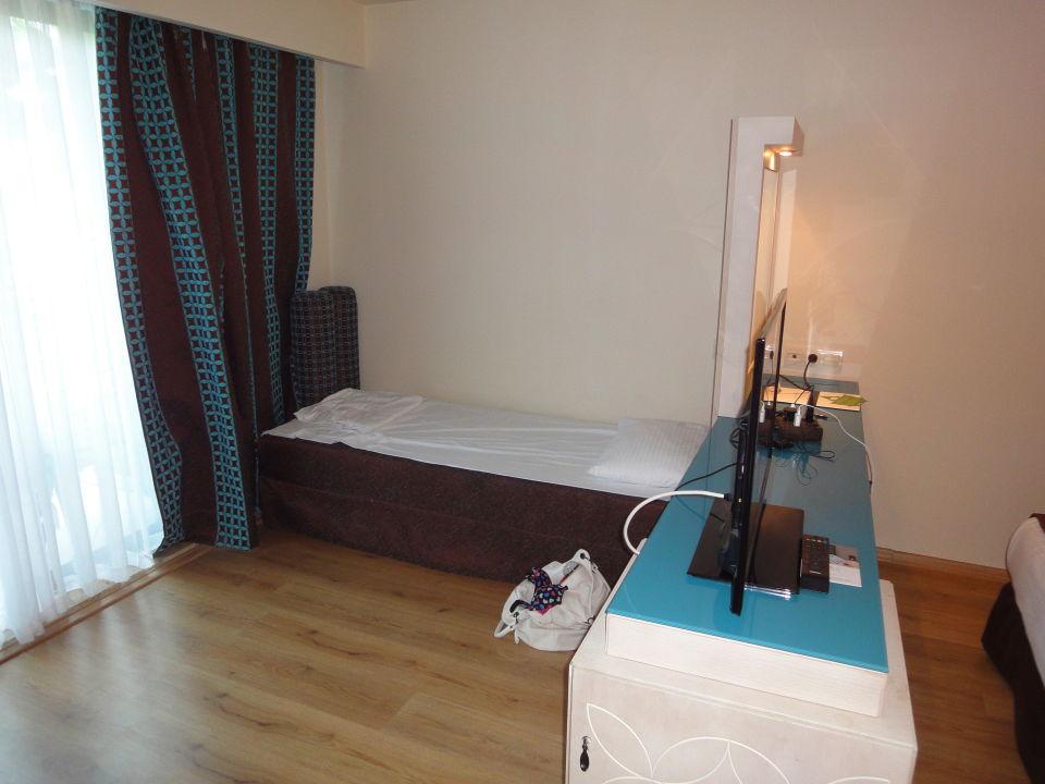 Quot Unser Zimmer Mit Couch Als Zustellbett Quot Nashira Resort
